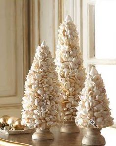 I'm one of those persons who gets a kick out of decorating for Christmas. I've lived in a huge house, a town house, a studio apartment, a on...