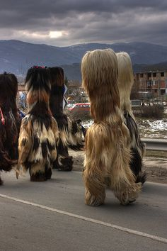 Кукери (kukeri) 2009 Kukeri is a traditional Bulgarian ritual to scare away evil spirits #kukeri #art #festival