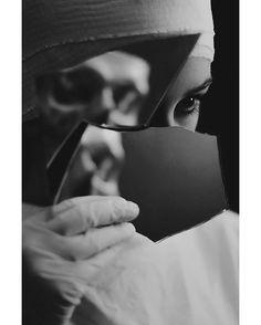 Photographer: Michalina Woźniak - Corpus VertebraeModel: Aleksandra G.  #DarkBeauty #DarkBeautyMag #bw #photography
