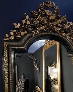 "Inge van Amerongen on Instagram: ""Stijlvol wonen met antieke spiegels @ therobin.nl #stijlvolwonen#black#blackmirror#residence#worldofinteriors…"" Mirrors, Decor Ideas, Instagram, Home Decor, Decoration Home, Room Decor, Home Interior Design, Mirror, Home Decoration"