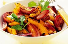 Yellow pepper and black bean stir-fry - a perfect antidote to rubbish thurday lecture blues Healthy Chinese Recipes, Healthy Recipes For Weight Loss, Easy Healthy Recipes, Healthy Cooking, Healthy Eating, Healthy Dinners, Healthy Foods, Best Stir Fry Recipe, Stir Fry Recipes