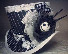 Artículos similares a Mad Hatter, Alicia en el país de las maravillas, sombrero de Steampunk, Mini Top Hat, Tea Party, Sherlock, sombrero gótico, Lolita, Cosplay, mujeres Steampunk sombreros en Etsy
