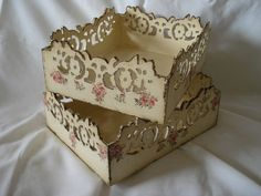 Hand made box decorated in decoupage style. Wood Crafts, Diy And Crafts, Arts And Crafts, Paper Crafts, Decoupage Box, How To Make Box, Pretty Box, Altered Boxes, Vintage Box