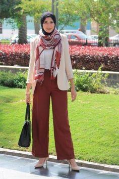 maroon palazzo pants with hijab- Beautiful hijab trends 2016 http://www.justtrendygirls.com/beautiful-hijab-trends-2016/