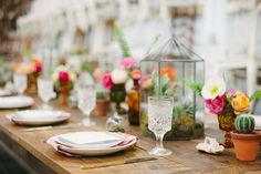 Photography: Katie Lopez Photography - katielopezphotography.com  Read More: http://www.stylemepretty.com/living/2015/05/08/a-boho-bourbon-brunch/