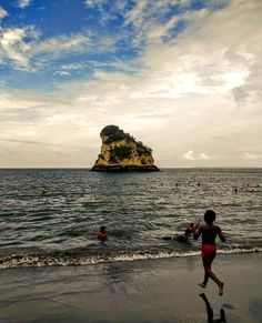 Tumaco Nariño Holiday Destinations, Holiday Travel, Cool Pictures, Explore, Natural, Water, Bunny, Outdoor, Holidays