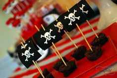 pirate treats.  {lots of decorating & food pictures}