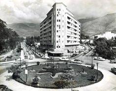 El Titania, que se estrelló en San Bernardino por allá, por el año 47, en Caracas.