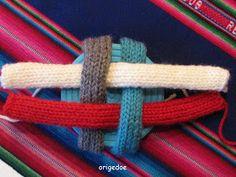 Breiproject.Haarlem: Leuke bal om te breien....(niet moeilijk !) Spool Knitting, Baby Knitting, Knitting Patterns, Knitted Animals, Binky, Textiles, Quilts, Haken Baby, Baby Born