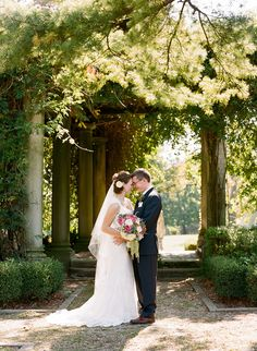 We Love A Good Lush Garden Wedding And Lindsay Johann Pulled Off Gorgeous Fete At Laurel Court In Cincinnati Ohio Jen Jonah Captured All The