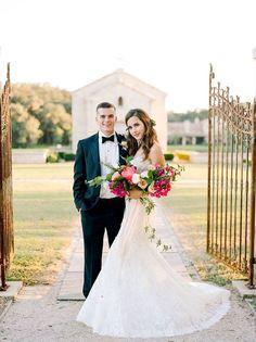 Bride and groom wedding photography ideas 23