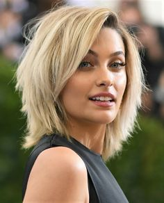 """Shoulder length hair is """"safe"""" as it's never going to be as risky as a buzzcut or as jaw-dropping as waist-length hair. Wavy or straight, shaggy or sleek, medium length hair gives you a modern look th Waist Length Hair, Shoulder Length Hair, Bob Hairstyles, Braided Hairstyles, Short Hair Cuts, Short Hair Styles, Shaggy Hair, Hair Lengths, Hair Inspiration"""