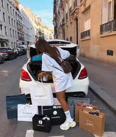 -R Collection: Luxury / Luxo Boujee Lifestyle, Luxury Lifestyle Fashion, Luxury Fashion, Pinke Outfits, Foto Glamour, Mode Poster, Image Mode, Billionaire Lifestyle, Luxe Life