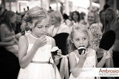 Flower-girls and cupcakes =) www.ambrosia-photography.com