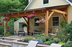 Pergola Terrasse Plante - - - Pergola With Roof Garage Doors Patio Roof, Backyard Patio, Porch Roof Design, Front Porch Pergola, Patio Awnings, Pergola Carport, Porch Designs, Side Porch, Pallet Patio