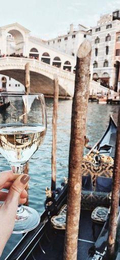 Venice @michaelsusanno @emmaruthXOXO @emmammerrick @emmasusanno  #HAUTEINITALY