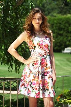 This floral dress is perfect for summer barbecues! Emerald Sundae - EAN2097