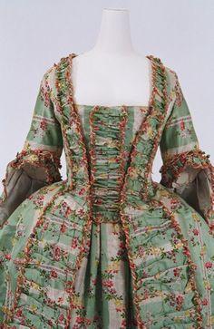 Robe a la francaise ca. 1770 From the Bunka Gakuen Costume Museum