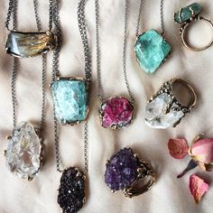 5 Steps You Should Follow to Transform Your Life by Wearing Crystals – Giardinoblu