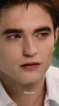 Twilight Edward, Twilight Cast, Cartoon Girl Drawing, Girl Cartoon, Twilight Videos, Robert Pattinson Twilight, Funny Vidos, Aesthetic Eyes, Edward Cullen