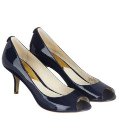 Blaue Peeptoes von Michael Kors #shoes #heels #fashion #engelhorn
