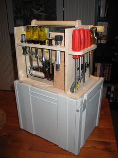 Tool Organizer http://ewoodworkingprojects.com/wooden-boxes/