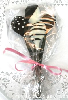 Chocolate Dipped Spoons.....First time i saw these i thought what do you do with it? duh i used the spoon for my coffee and it was yummy!