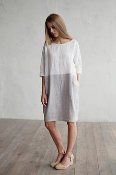 Soft, white and grey linen dress for women in colour block. Designed with a loose fit, cocoon shape. Features: - 3/4 sleeves - knee length - two side pockets - - - - - - - - - - - - - - - - - - - - - - - Please note our linen ladies' dresses are always made to order. Sewing usually takes 1-2 weeks. - - - - - - - - - - - - - - - - - - - - - - - SIZES  XS - EU34- US 2- UK6S - EU 36- US 4- UK8M - EU 38- US 6- UK10L - EU 40- US 8- UK12XL- EU 42- US 10- UK14 Model is XS-S, 174 cm tall a...