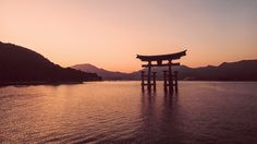 そして満潮。安芸の宮島 厳島神社 大鳥居。