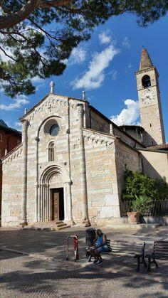 Kirche von Maderno Mansions, House Styles, Home Decor, Summer 2016, Decoration Home, Room Decor, Villas, Interior Design, Home Interiors