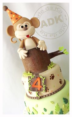 Adorable Monkey cake by Arte da Ka (Karine Alves).