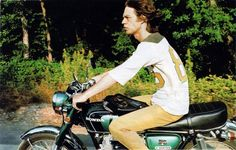 Mick Jagger on a Honda CB350! I'm so back in love with Mick now ! I never knew he rides !