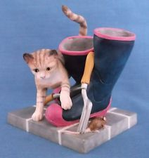 BORDER FINE ARTS CATS ROUND THE HOUSE PLAYFUL CAT WELLINGTON BOOTS GARDENING