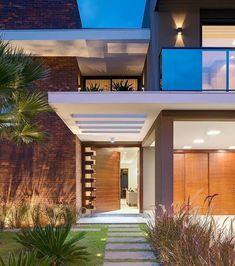 Likes, 8 Comments - Suzanne Arquiteta Entrance Design, House Entrance, Bungalow House Design, Modern House Design, Modern Architecture House, Architecture Design, Double Story House, Home Building Design, Facade House