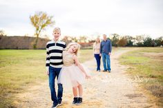 The Simmons Family | Grapevine Tx Holiday Session | Dallas Photographer | Heather Buckley Photography www.heatherbuckleyphotography.com