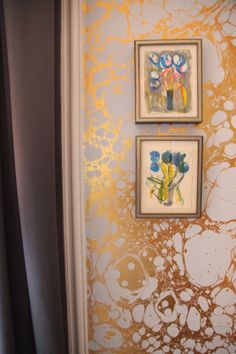 Habitually Chic®: Carrier & Company's Chic Sitting Room. Calico wallpaper marbleized gilt, Pierre Frey fabrics