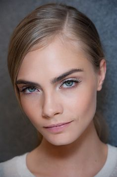 Clean face | Cara Delevingne