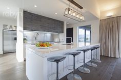 I love the layout of this kitchen!