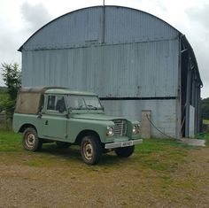Land Rover 88 Serie III pickup canvas charge and hard top cabine.