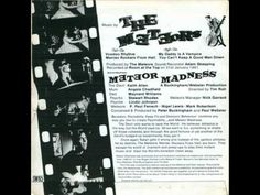 ▶ The Meteors - My Daddy Is A Vampire