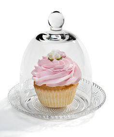 Cupcake plate & dome // this is incredibly cute and oh so decadent! A row down a table would make for an elegant tea party ! Fun Cupcakes, Cupcake Cookies, Cupcake Cupcake, Cupcake Ideas, Cupcake Collection, Puppy Cake, Cream Tea, Bake Sale, Cake Plates