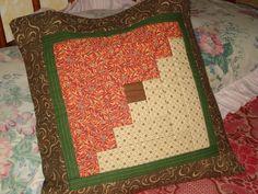 Capa para almofada em patchwork. Pode ser feita sob encomenda de cores variadas. Tempo de confecção de 5 dias.  Sujeita a mudança de tecidos.