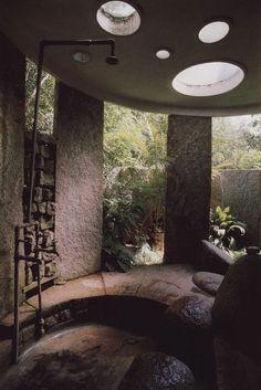https://estilo.catracalivre.com.br/casa/chuveiros-inovadores-para-quem-quer-tomar-banho-com-estilo/