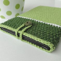 Though the green isn't my cup of tea especially this parrot green shade, but one of our folks ahs asked us especially to use this color combination in the crochet mobile couch to see how it actually looks. But I think in the end it really did well.