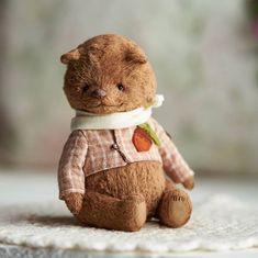 🐻Тедди🐰Выкройки🐼МК в Instagram: «Ну Павлуша же?)) 🔸 Такой Кроха сладкий) понимаю, что с моей стороны это не очень скромно, но мишка все равно ужасно милый 🙈 🔸 Сейчас про…» Teddy Toys, Bear Toy, Plush Animals, Stuffed Toys, Stuffed Animals, Plushies, Doll Toys, Handmade Dolls, Teddy Bears