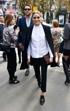 Olivia Palermo at the L'Avenue restaurant in Paris. Olivia Palermo at the L'Avenue restaurant in Paris. Style Olivia Palermo, Olivia Palermo Outfit, Olivia Palermo Lookbook, Mode Outfits, Casual Outfits, Fashion Outfits, Blazer Fashion, Casual Shirt, Fashion Weeks