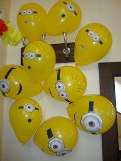 Despicable Me/Minion Party: Balloons Minion Party Theme, Despicable Me Party, Minion Birthday, 4th Birthday Parties, 3rd Birthday, Birthday Cakes, Birthday Ideas, Fete Laurent, Minion Balloons