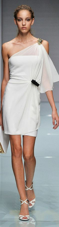 Roccobarocco Collection Spring 2015- LadyLuxury. In Live with this floaty dream of a dress