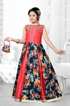 Kids girls Indian Pakistani Asian Ethnic by VarshiniCollections Indian Dresses, Indian Outfits, Indian Formal Wear, Gaun Dress, Gown Party Wear, Kids Party Wear, Kids Ethnic Wear, Anarkali Dress, Lehenga