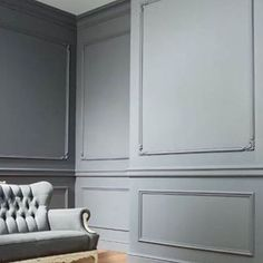 Ideas wall paneling ideas wainscoting dining rooms for 2019 Classic Decor, Classic Interior, Living Room Paint, Living Room Decor, Orac Decor, Dining Room Wainscoting, Painted Wainscoting, Wainscoting Bathroom, Wainscoting Styles